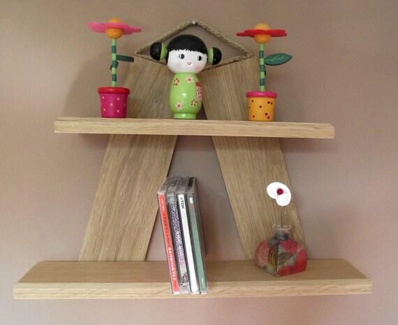 h ngend eiche oder mahagoni b cherschrank holz von mkkwoodenstuff. Black Bedroom Furniture Sets. Home Design Ideas