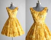 Vintage 1950s Dress / 50s Cotton Dress / Jay Herbert Yellow Floral Dress w/ Belt XS/S