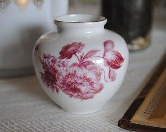 Vintage Vase Floral