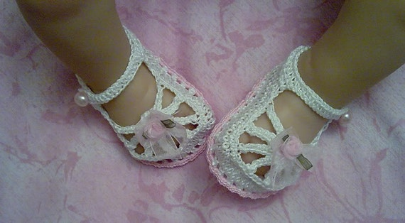 Cotton Crochet Baby Shoes Pattern : New Born Premiee Baby Booties / Shoes Cotton by PiggyCrochet11