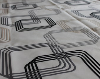 Tablecloth 100% polyester with contemporary / modern