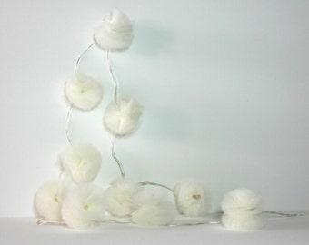 10 Led - Light string of PomPoms in ivory tulle
