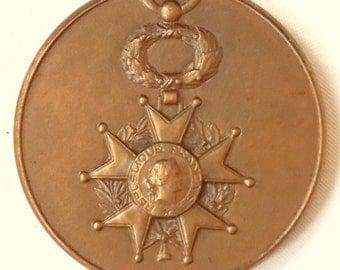 Vintage french solid Bronze Société d'Entraide de la Légion d'Honneur 1922-1972 commemorative medallion Free UK Postage!