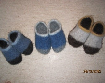 Felted clogs slippers house shoes warm 100 % Icelandic pure wool comfy cute slippers. Made to order