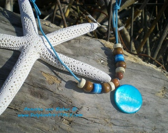 BLUE SPIRIT Surfer Leather Necklace  with 1 Mother of Pearl coin 20 mm and different wooden beads. Let's surf…