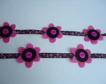 Black and pink party garland, flower garland, Black and Pink felt flower garland, baby shower decoration, girls room flower decoration. #019