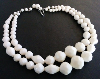Signed Germany Vintage Necklace Choker White Faceted Lucite Bead Graduated 322
