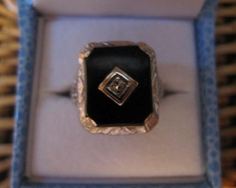 SALE!   Early 1900s 10kt white gold natural onyx and diamond ring