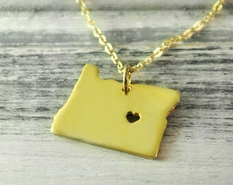 I  heart  Oregon  Necklace Oregon  pendant 18K gold plated state necklace state pendant map pendant  hammered state necklace map jewelry