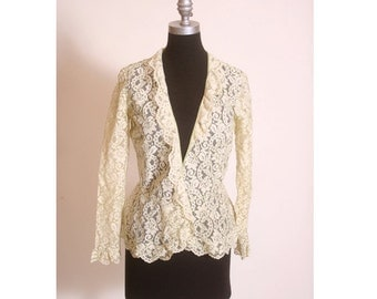 Vintage 1970s Green and Cream Ruffled Lace Wrap Pull Over size M