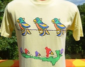 80s vintage tee shirt PARROTS tropical birds applique toucan t-shirt Medium rainbow wtf