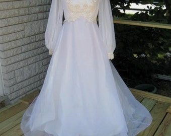 Vintage Wedding Dress - Vintage Wedding Gown - Vintage Wedding