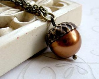 Copper acorn necklace with Swarovski pearl bead, nature jewelry, brass chain, fall jewelry