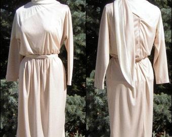Curvy Dress Knit & Easy Fit Scarf Collar - Medium US 12 Vintage Designer 70s Jerry Silverman SAULINO