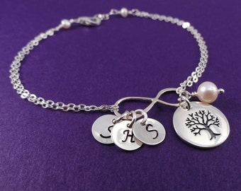 Personalized Infinity Bracelet with initials, Mothers bracelet, Family tree, Tree of Life, Family initials, Sister jewelry, Best friends