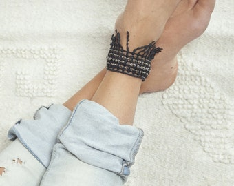 Lace anklet - Cabasa - Black lace with silver chains