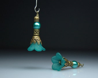 Vintage Style Bead Dangles Teal Green Lucite Flowers Pair G09