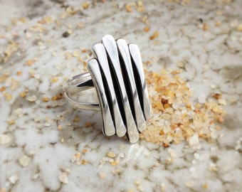 Dry Bones Staggard Ring Sterling Silver