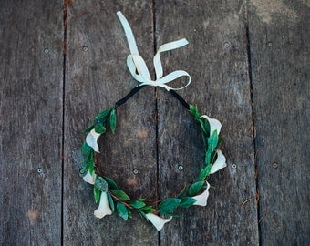 White Calla Lily Flower Hair Crown, Ivory Wedding Accessory Spring Wedding Bridal, Goddess Headdress Hair Wreath