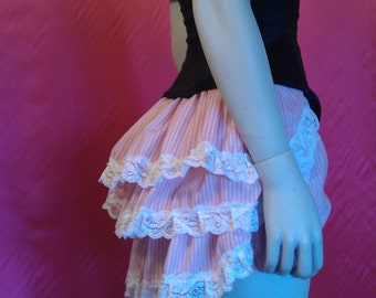 pink and white stripe tie on bustle