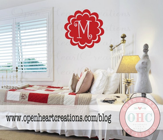 Personalized Single Initial Monogram Vinyl Wall Decal - Baby Boy Girl Teen Wall Decal with Scallop Circle Border 25 in CIRCLE FI0005