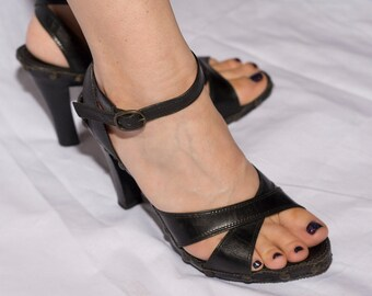 Black Strappy Summer 90s Sandal High Heels US Size 8
