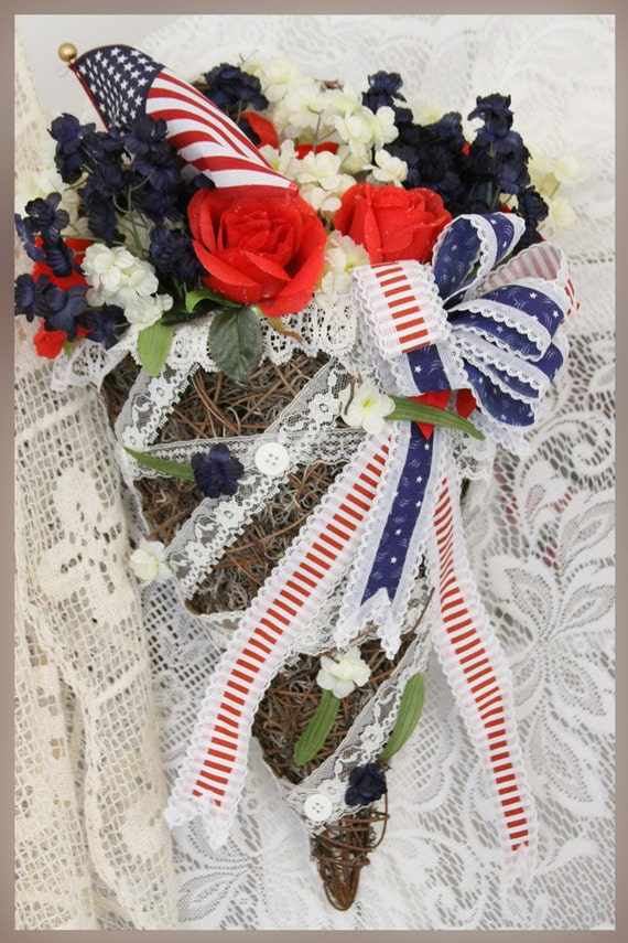 Patriotic Americana Grapevine Basket Wall Planter Floral Arrangment, Red White & Blue