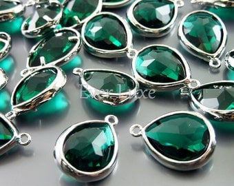 2 emerald green glass bezel charms, jewelry / jewellery supplies / bridal jewelry supplies 5117R-EM (bright silver, emerald, 2 pieces)