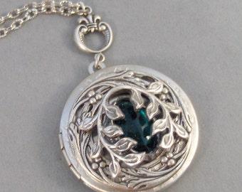 Green Ivy,Ivy Necklace, Ivy Locket,Silver Locket,Victorian,Antique Locket,Ivy,Leaf,Leave,Branch,Tree,Green,Emerald,Stone,valleygirldesigns.