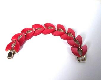 Vintage Bracelet 50s Red Thermoset bracelet - on sale