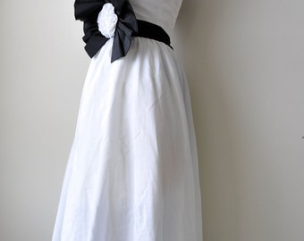 Vintage 1970's Black and White Halter Mike Benet Prom Formal Dress size XS/S