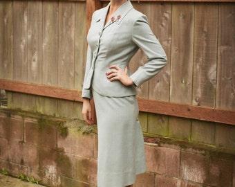 London War Work - Vintage WW2 1940s Pale Blue Wool Blend Skirt Suit - 4/6