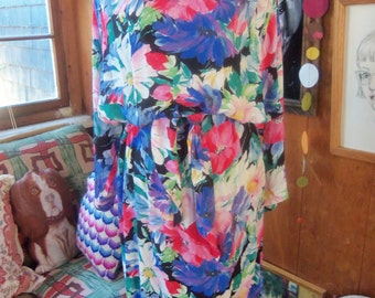 80s LUSH FLORAL PRINT Dress--Self-Belting Sash--Dolman Sleeves--Blouson Top--Pencil Skirt--Soft and Floppy Rayon