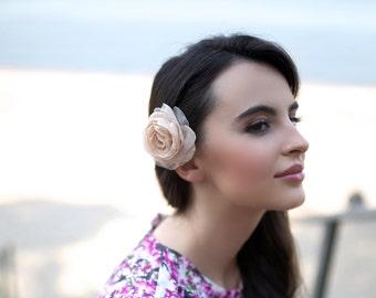 Wedding hair flower - Champagne beige wedding hairpiece -  Rustic wedding hairpiece - Beige rose hair clip