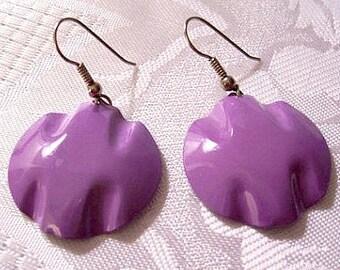 Purple Flower Petal Discs Pierced Wire Earrings Silver Tone Vintage Large Round Waved Discs