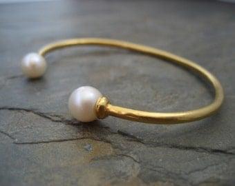 Double pearl cuff, twin pearl bracelet, natural pearl bangle, bridal open bangle, gold open bracelet, June birthstone