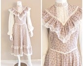 HOLD for CHRISTINEVintage GUNNE SAX by Jessica calico print prairie dress. Pink floral print, lace ruffle bodice. 1970s. S / M
