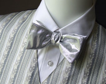 Mens bow tie / silver lurex / freestyle bowtie - adjustable self tie - just bow ties for men / I am a maker of bespoke bowties