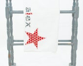 CATHERINE - appliqué name towel with red star for Ivy