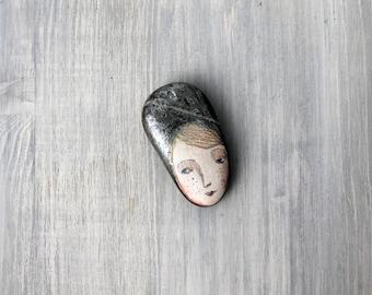 Painted stone n.19. painted pebble. painting on stone. Beach pebbles art
