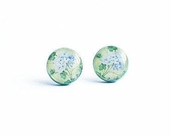 Floral stud earrings, garden jewelry, light green post earings