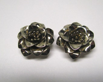 Vintage Faded Gold tone Rose Non Pierced Earrings, Detailed Rose Clip on Earrings, Wear or Repurpose