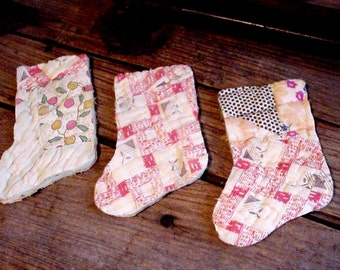 Primitive Stocking Appliques, Folk Art Christmas Stocking Cutouts, Vintage Feedsack Fabric Cutter Quilt Shabby Embellishments itsyourcountry
