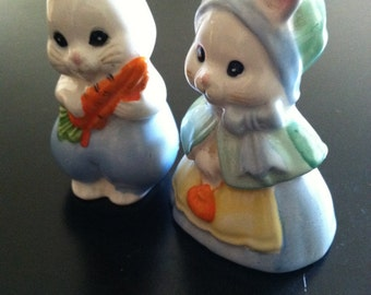 Sweet ceramic Bunny Salt and Pepper Shaker Set