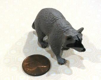 Miniature Raccoon / Small Terrarium Supply / Diorama / Mini Animals / Raccoon