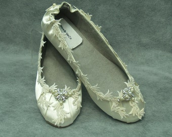 Ivory or White Satin Lace Wedding Flats, Vintage look,Flat fancy Shoes Bridal,Great Gatsby,Victorian,Old Hollywood Glamor Shoes,Deco Nouveau