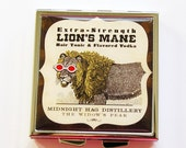Square Pill case, Pill box, Pill case, 4 Sections, Funny Pill Box, Square Pill box, Lion, Humor, Funny Pill Case, lion pill box (4021)