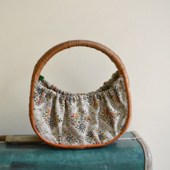 Vintage Ivory and Woven Straw Floral Tapestry Purse // Summer Handbag - 1960s
