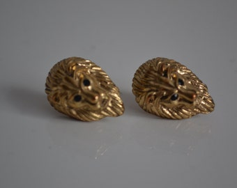 Vintage lion head gold heavy earrings pierced