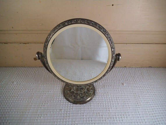 silver pedestal mirror vanity mirror dresser mirror. Black Bedroom Furniture Sets. Home Design Ideas